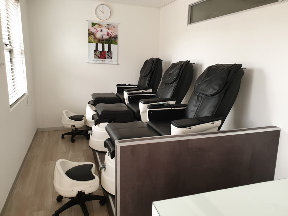 Private Nail Room