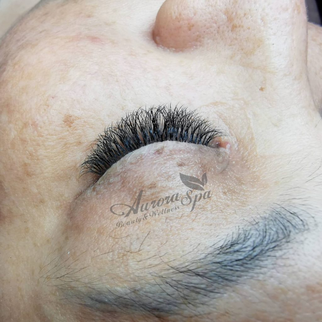 Hollywood Volume Lash Extensions